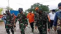 Panglima TNI Minta 1053 Prajurit Gabungan Terus Evakuasi dan Cari Korban Hilang Akibat Banjir Kalsel