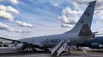 Jokowi Tolak Pesawat Mata-mata AS P-8 Poseidon Beroperasi di Wilayah Indonesia