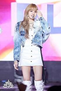 6 Idol K-POP yang Cantiknya Kebangetan Dalam Balutan Busana Berwarna Putih.