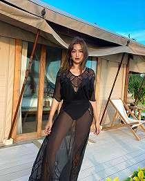 Pose Cantik Pakai Baju Transparan, Jessica Iskandar Pamer Body Goals.