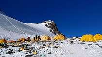 Gunung Everest mencair, jasad-jasad pendaki yang hilang mulai bermunculan