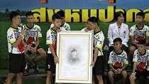 12 Remaja Thailand Terperangkap di Gua Bertahan dengan Tetesan Air