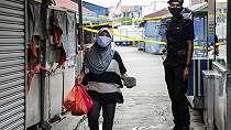 Ada yang Lebih Ditakuti TKI di Malaysia Ketimbang Corona