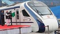 Baru diresmikan, kereta cepat India rusak 'karena menabrak sapi'