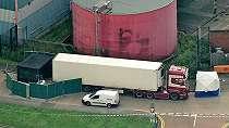 Puluhan jenazah di dalam truk kontainer di Inggris: Yang kami ketahui sejauh ini