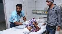 Kereta api tabrak kerumunan festival Hindu di India, puluhan orang tewas