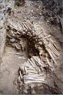 Dinding Katedral Terbuat dari Tengkorak dan Tulang Manusia