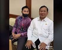 Viral Prabowo Ngeprank Asisten Pribadi, Netizen: Coba Kalau Kim Jong Un