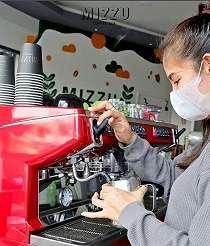 Ingin Coffee Shop Ramai Dikunjungi Anak Muda, Begini Triknya