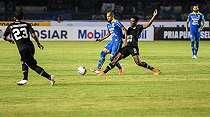 Sempat Digosipkan ke Sriwijaya FC, Supardi Resmi Bertahan di Persib Bandung