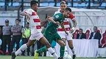 Derby Jawa Timur, Persebaya Kontra MU Berakhir Imbang di Gelora Bung Tomo