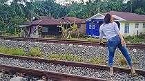 Viral Video Tetangga Ribut Saling Ledek, Bikin Netizen Geli