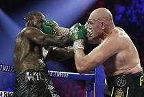 Tyson Fury Tak Pernah Bosan Bikin Deontay Wilder Babak Belur