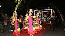 Menengok Arakan Komantan Korong di Festival Pranata Adat Situbondo
