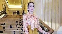 5 Artis Hadir di Fashion Show Emmara, Siapa Lebih Kece?