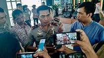 Tanda SOS di Pulau Laki hingga 7 Jenderal Dampingi Calon Kapolri