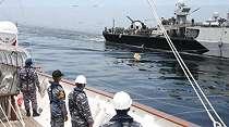 2 Kapal Perang TNI AL Latihan RAS di Selat Malaka