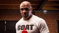 Tampil Ganas, Mike Tyson Malah Ditahan Imbang Roy Jones
